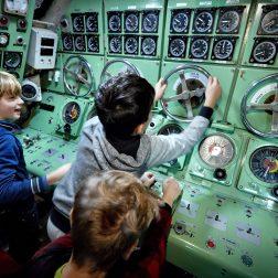 Bezoek het Marinemuseum en klim aan boord van een echte onderzeeboot